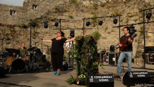 Cathy Heiting Conte du petit bois pourri 2019 Concarneau photo Sabine Tostain